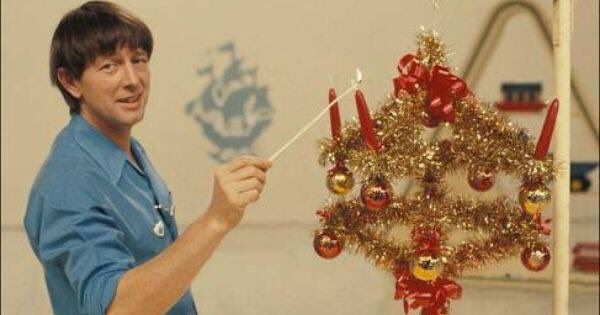 I wonder how many houses went up in flames over Christmas due to the Blue Peter advent thingy  https://t.co/mClocgmBiF