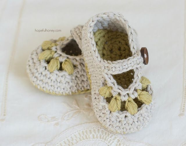 Oakland Baby Booties - Crochet Pattern + Giveaway | Piecitos de ...