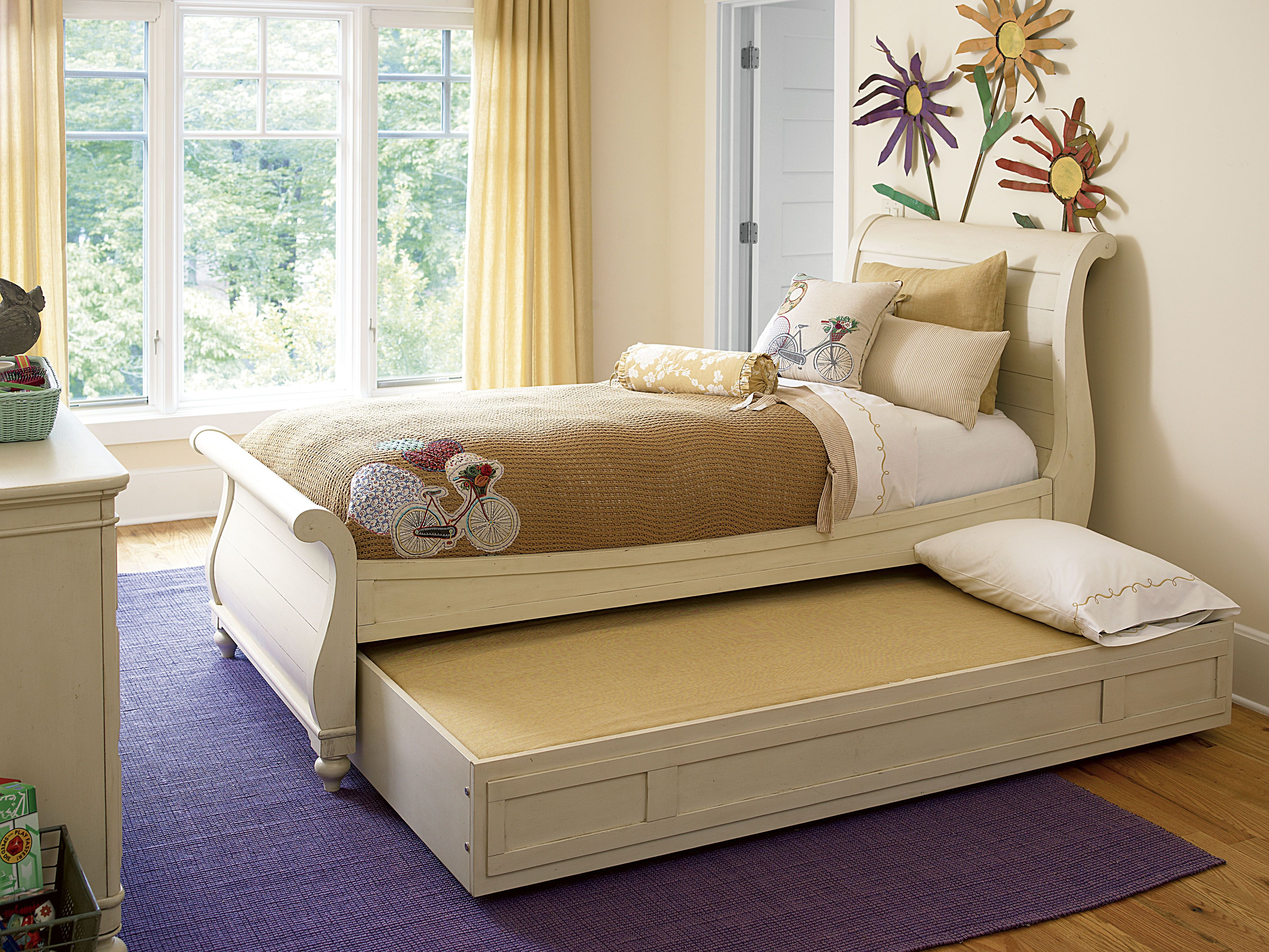 Paula Deen Gals Twin Sleigh Bed With Open Trundle In A