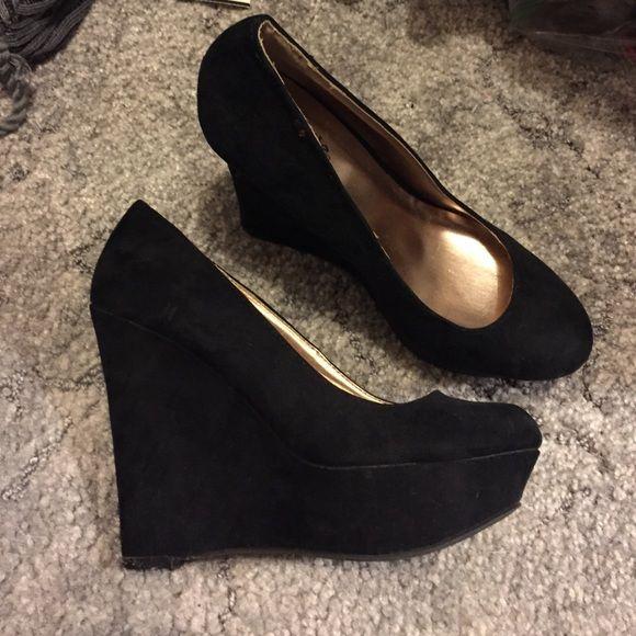 black velvet wedge shoes