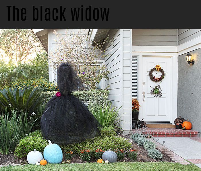 Wicked Craft Week DIY Black Widow Halloween Yard Decoration {Shift