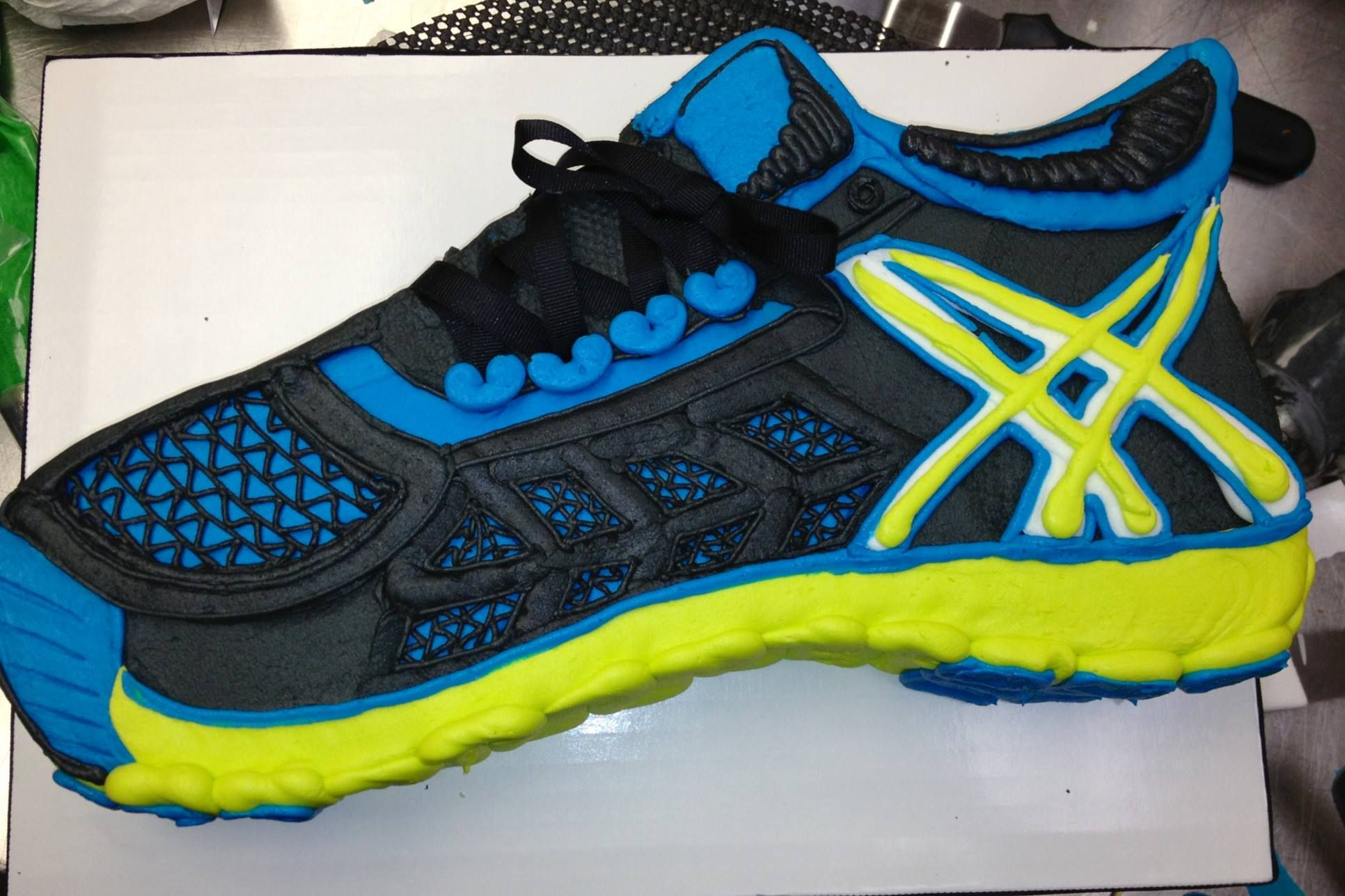 Running Shoe Cake For The Athlete Cake By Cake All Things Yummy