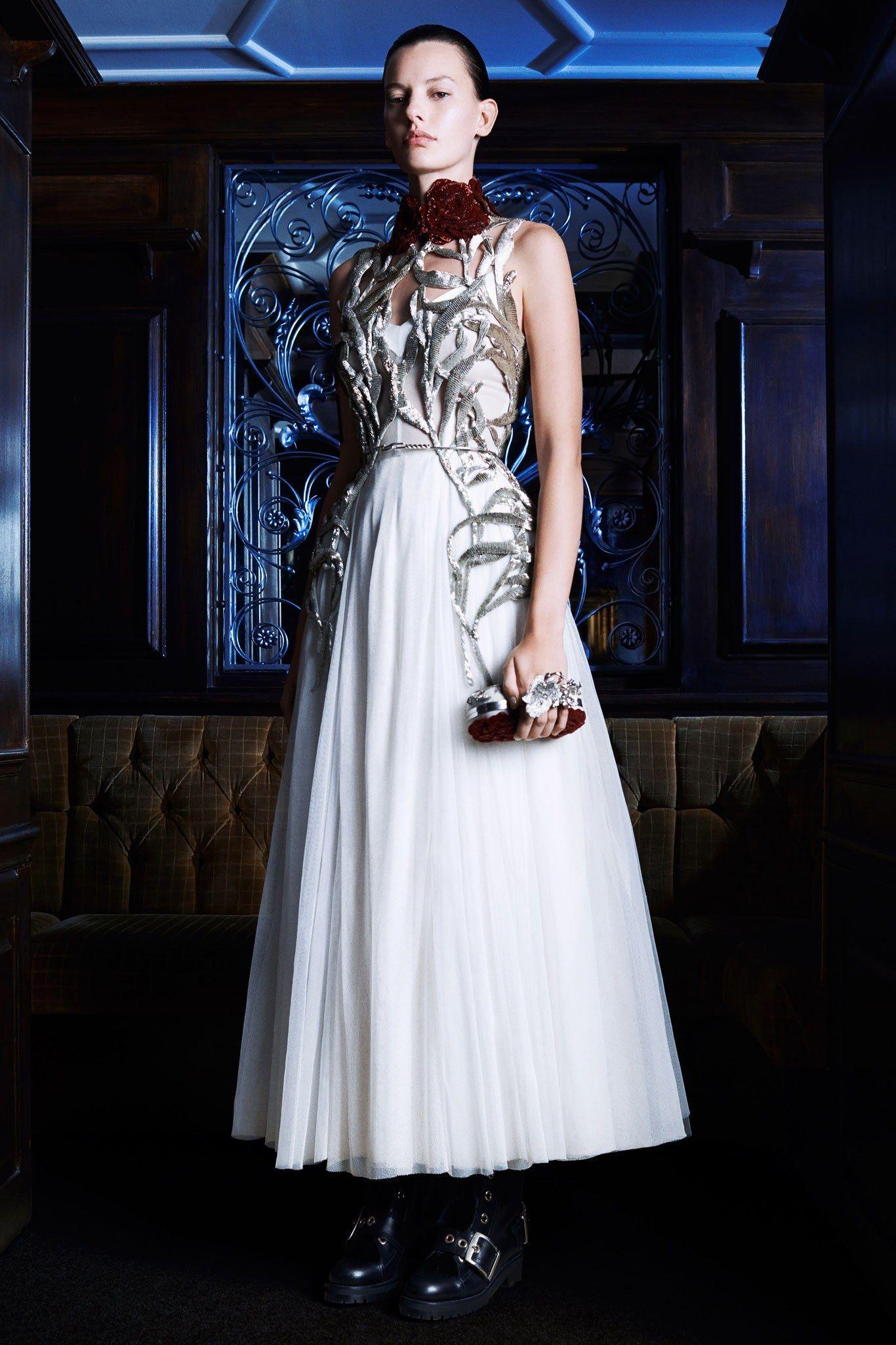 Alexander Mcqueen Pre Fall 2014 Fashion Show Moda Estilo Moda Vestidos De Novia Civil