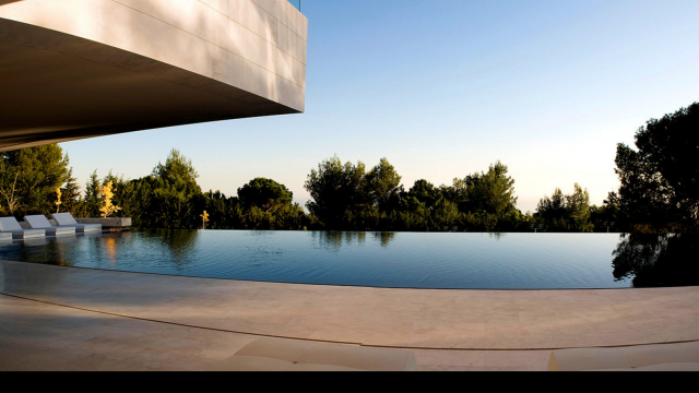 Marbella Villa moderna con pista de tenis & vistas al mar