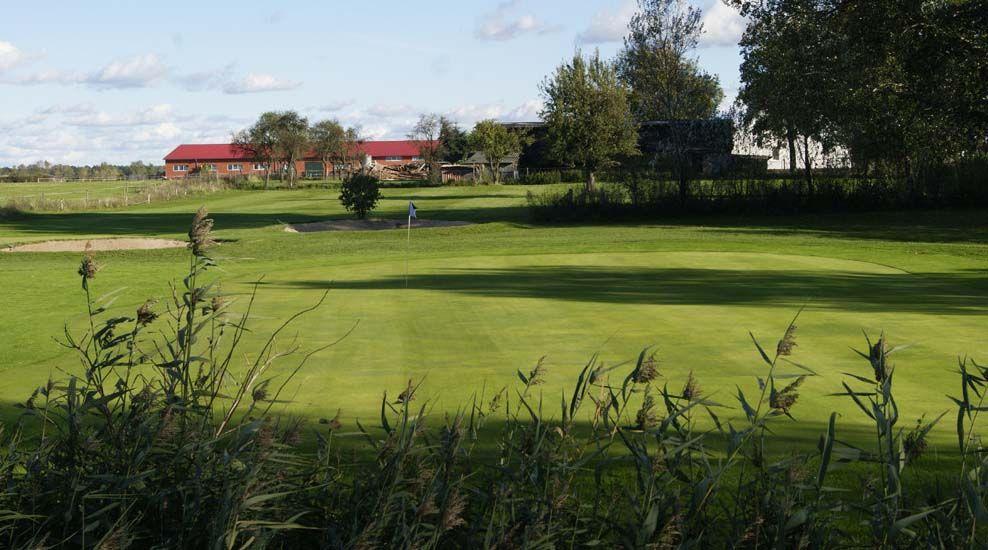15+ Berovice golf course viral