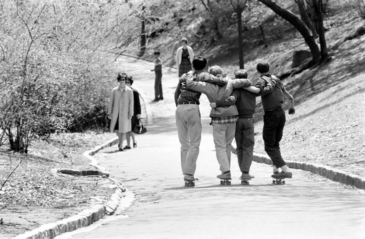 '60s skateboarders