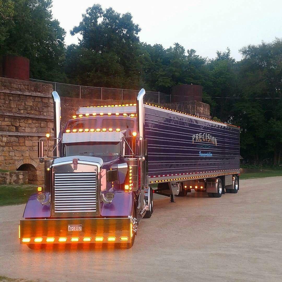 Kenworth custom W900L light show - US Trailer would love to repair ...