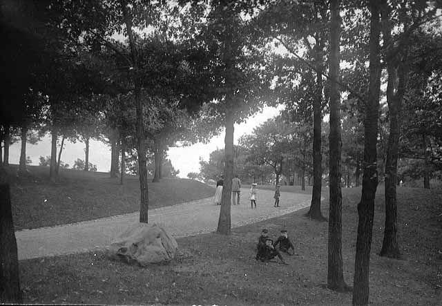 Como Park Walkway, St. Paul, 1905