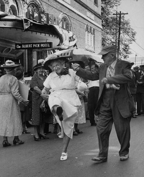 A Worker Doing A Dance In Front Of The Governor S Hotel Photograph By John Dominis New Orleans Louisiana May 1952 Happy Old People Photo Just Dance