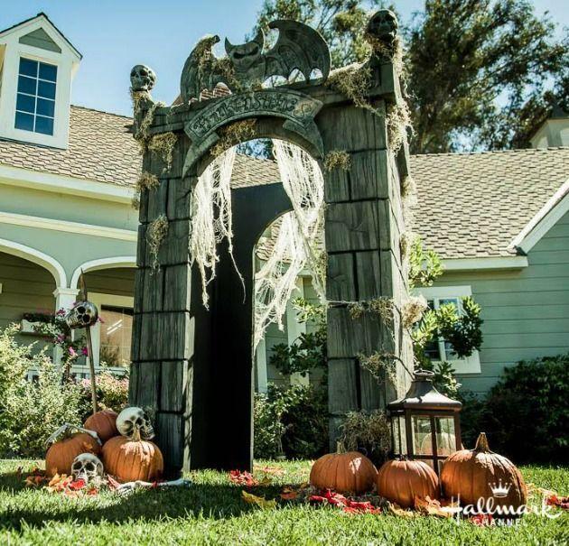 DIY Halloween Yard Decor- DIY Crypt Gateway Fun Halloween Pins