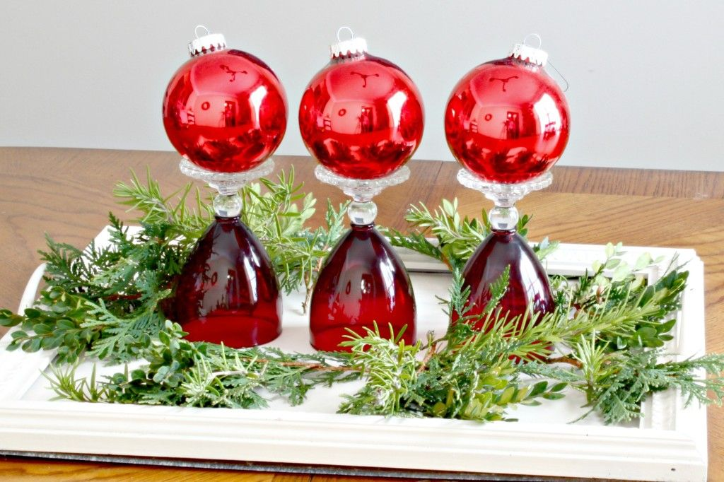 10 Wine Glass Centerpieces With Images Centerpieces With Wine Glasses Wine Glass Christmas Decorations Glass Christmas Decorations