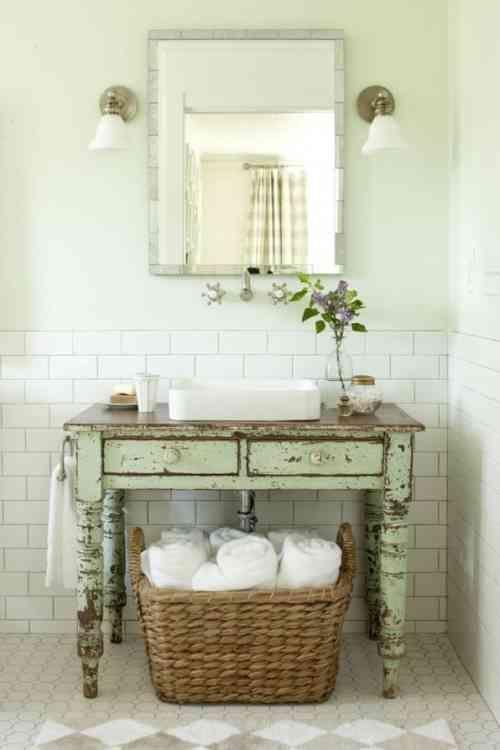 meuble salle de bains pas cher 30 projets diy d corations shabby chic bedrooms rustic. Black Bedroom Furniture Sets. Home Design Ideas