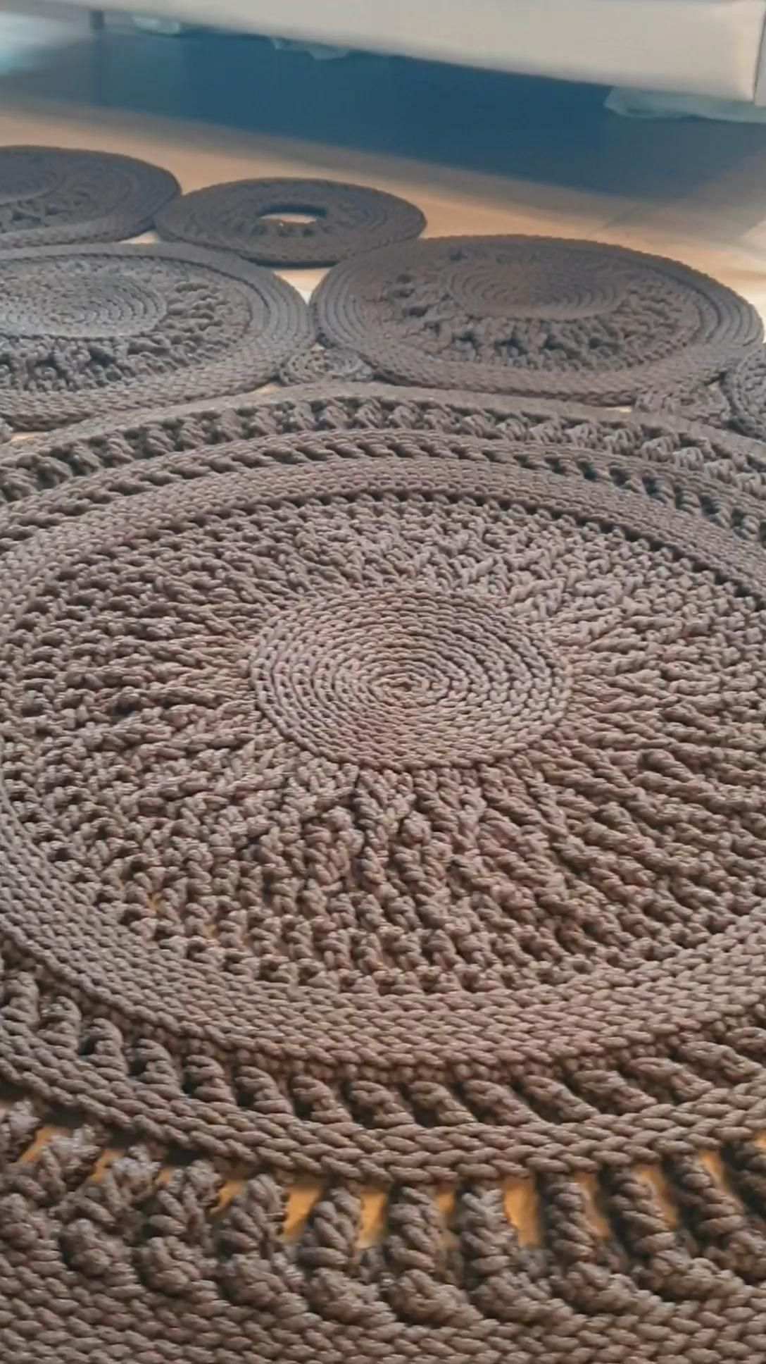 Crochet rug pattern. Textual Description on English. LaceCoins