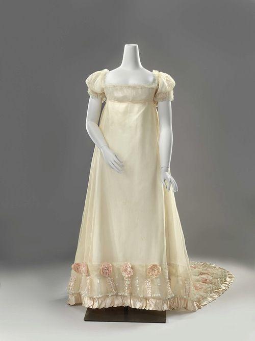 Wedding dress, 1812 From the Rijskmuseum