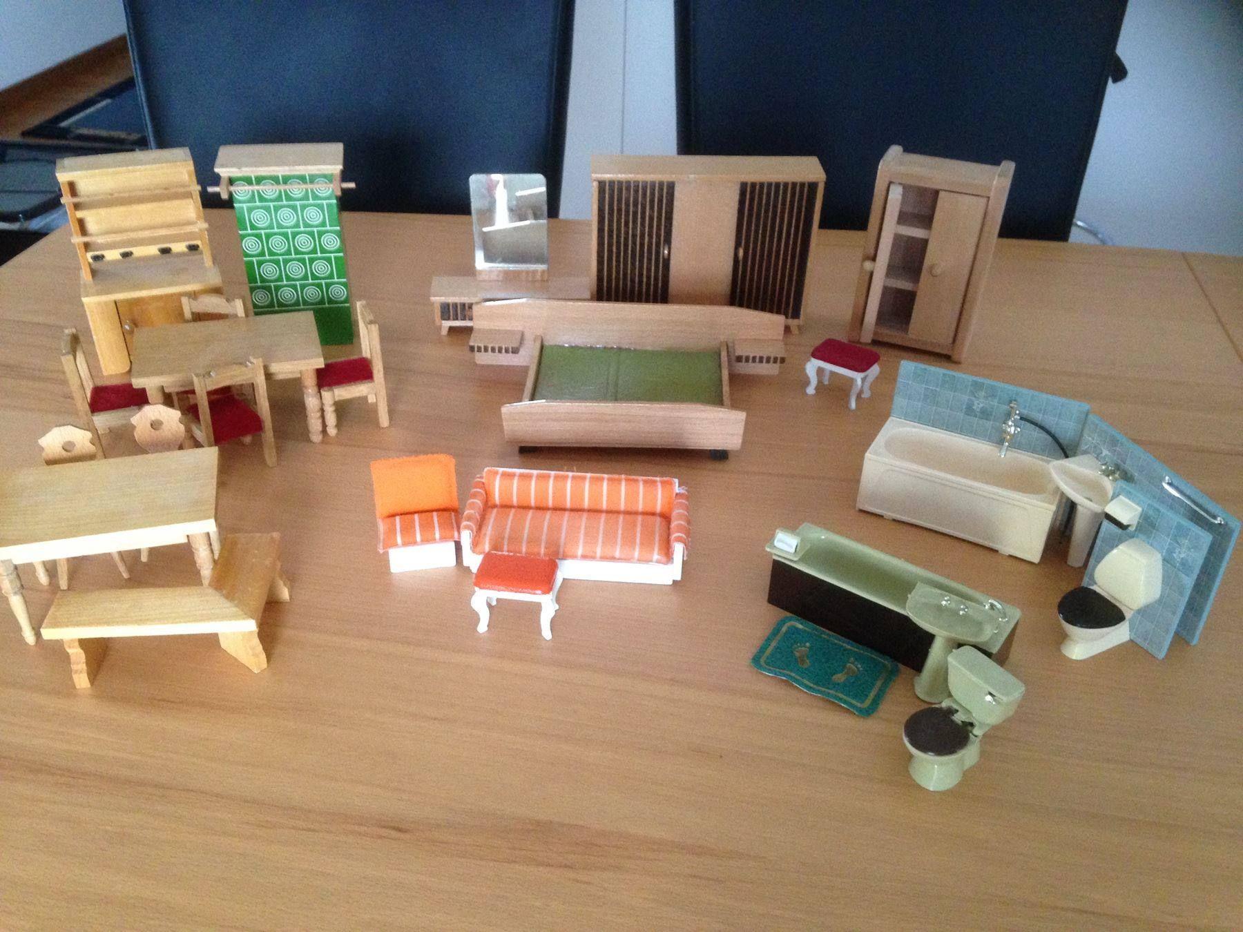 Puppenhaus Möbel, Einige Lundby
