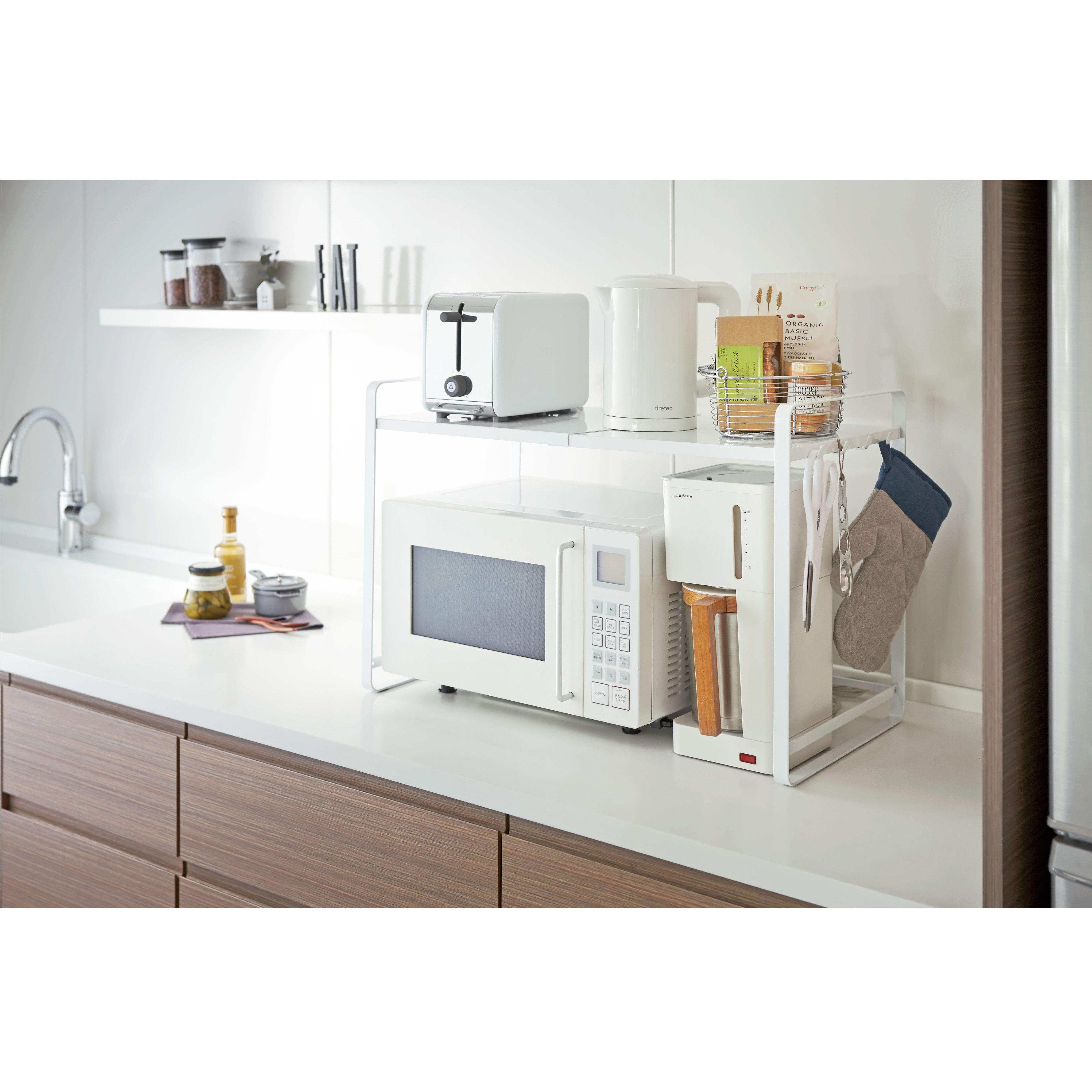 Expandable kitchen counter shelf tower