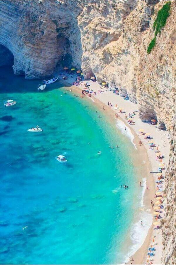 Playa Cliff, Corfu, Grecia