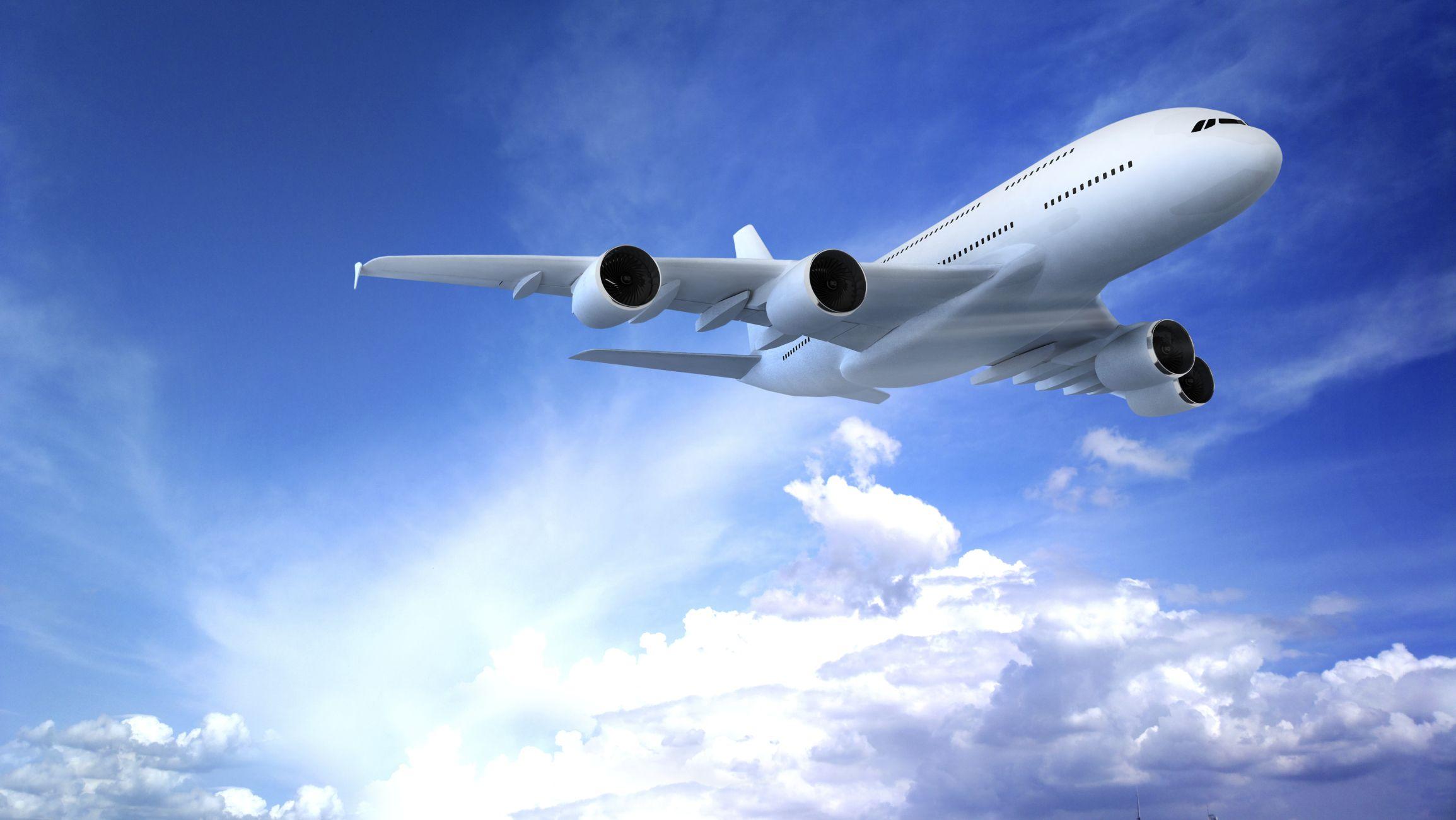 Empresa aérea não pode cobrar multa superior a 5% em caso de desistência de voo não promocional
