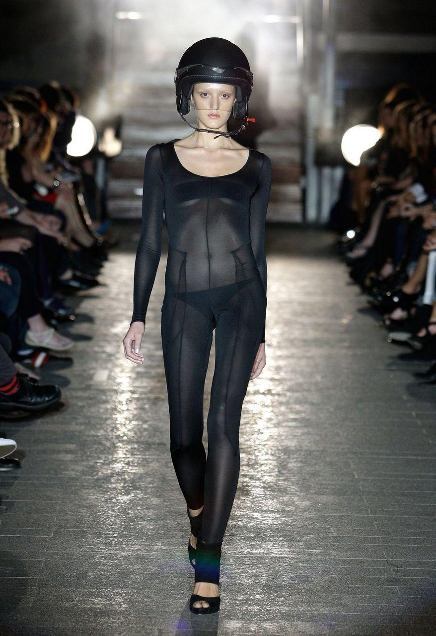 Dune inspired runway-Ben Pollitt  sc 1 st  Pinterest & Dune inspired runway-Ben Pollitt | The Pollitt page... | Pinterest ...