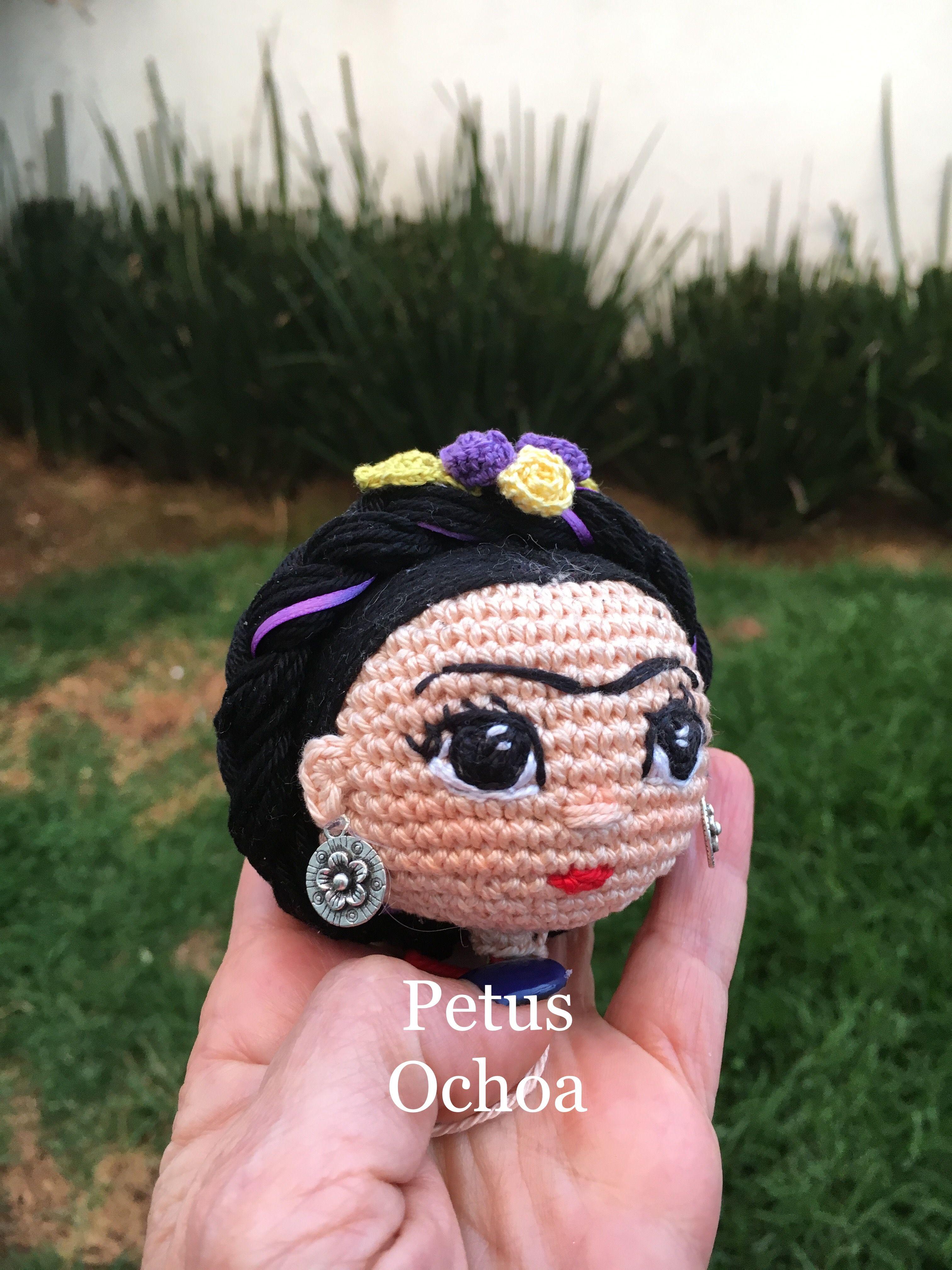 Como bordar ojos muñeca Frida patrón gratis por el canal de YouTube  amigurimis By Petus fcf99ec8bba