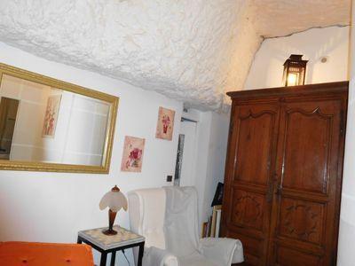 Salon troglodyte des Chambres d'hôtes semi-troglo à vendre près Chenonceau et zoo de Beauval en Loir-et-Cher