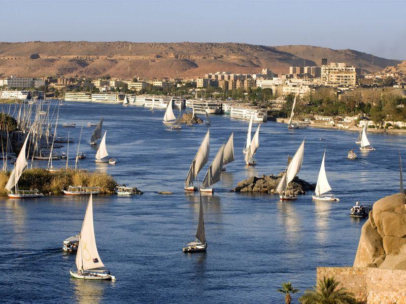 Aswan_Fellucas on the Nile