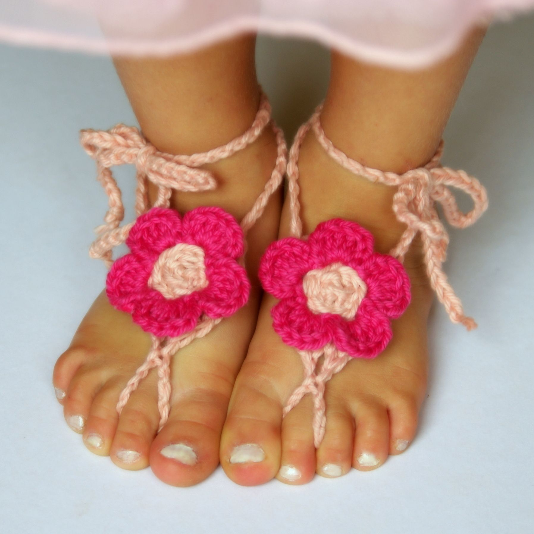 Barefoot Sandals Free Pattern From Two Girls Patterns Crochet Baby Sandals Pattern Toddler Crochet Patterns Crochet Baby Sandals