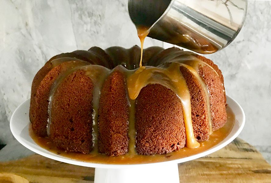 This Sticky Toffee Pudding Bundt Cake is a Thing o