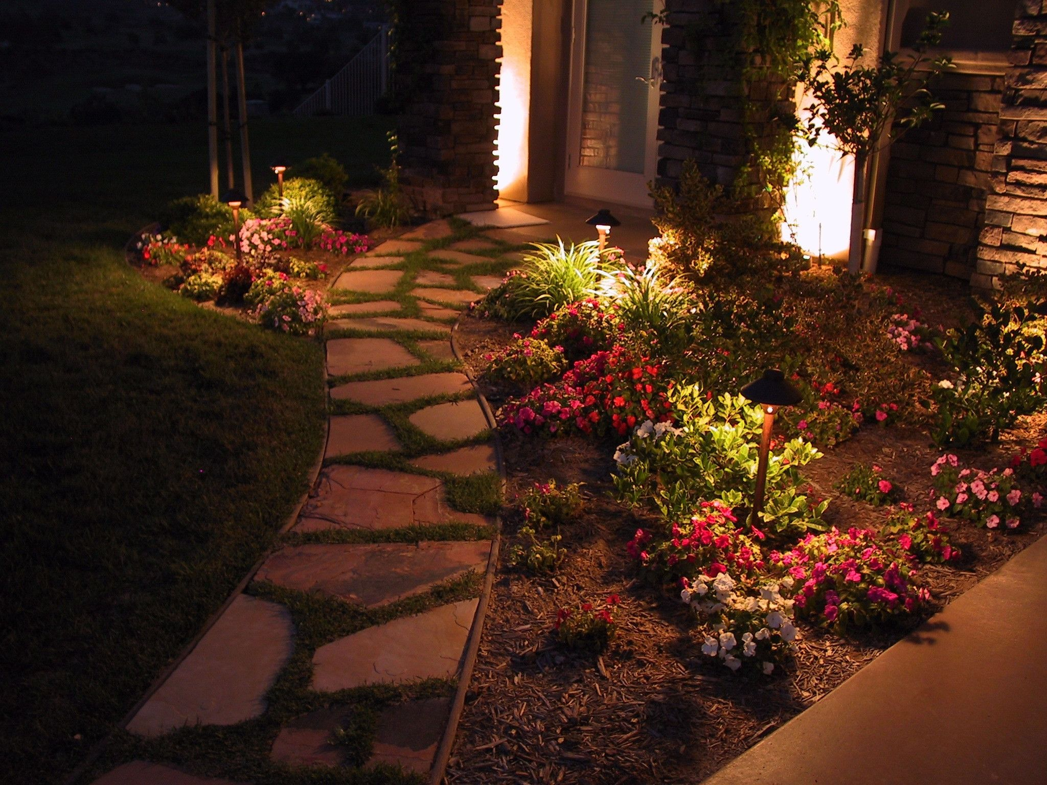 Outdoor Lighting Ideas 5 Pathway Lighting Tips Ideas Walkway Lights Guide Landscape Lighting Landscape Design Outdoor Landscaping