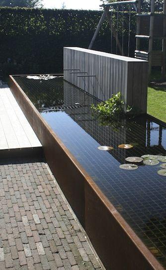 Kindvriendelijke vijver garden waterfeatures for Moderne waterpartijen tuin