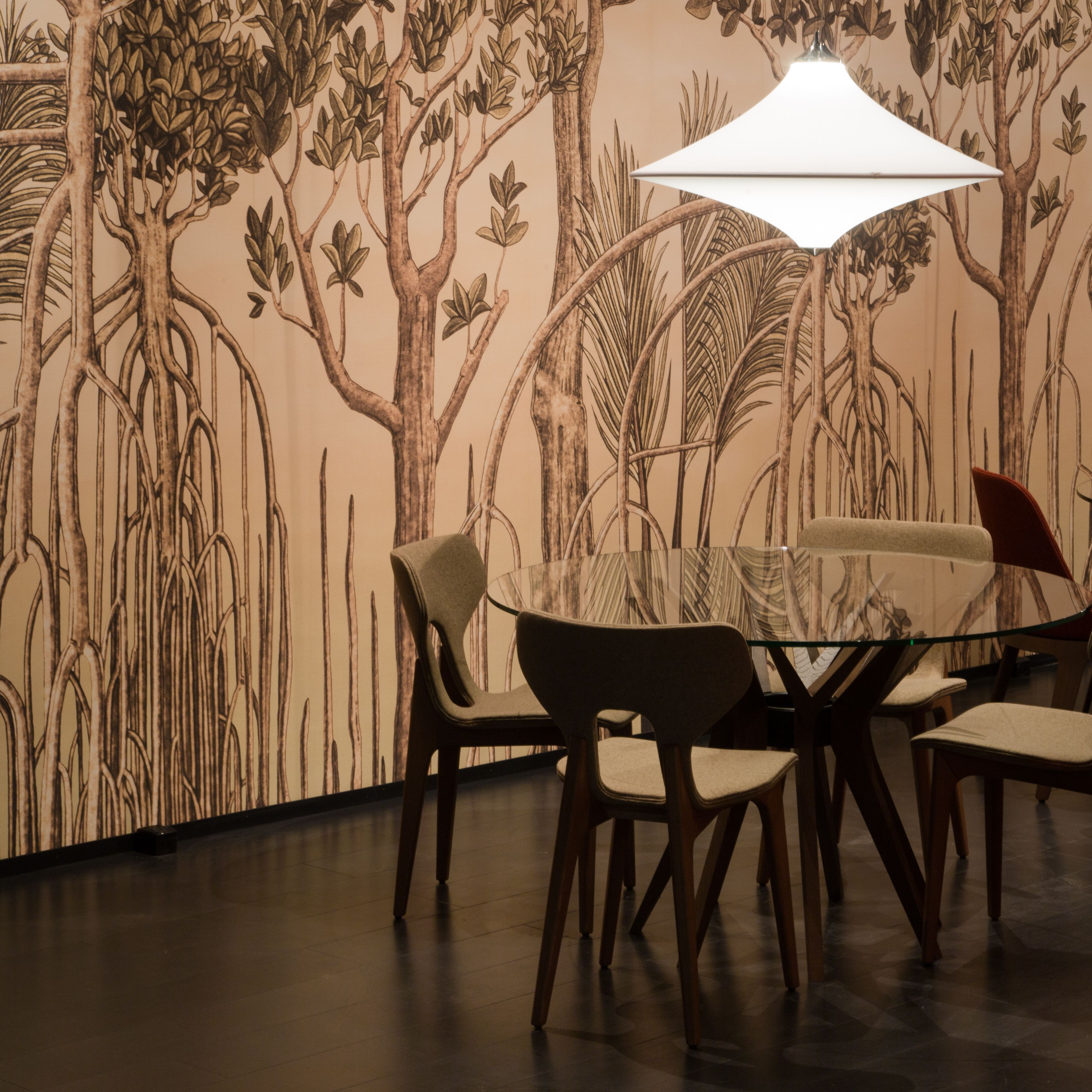 Roche Bobois | Aster dining table, designed by Reda Amalou