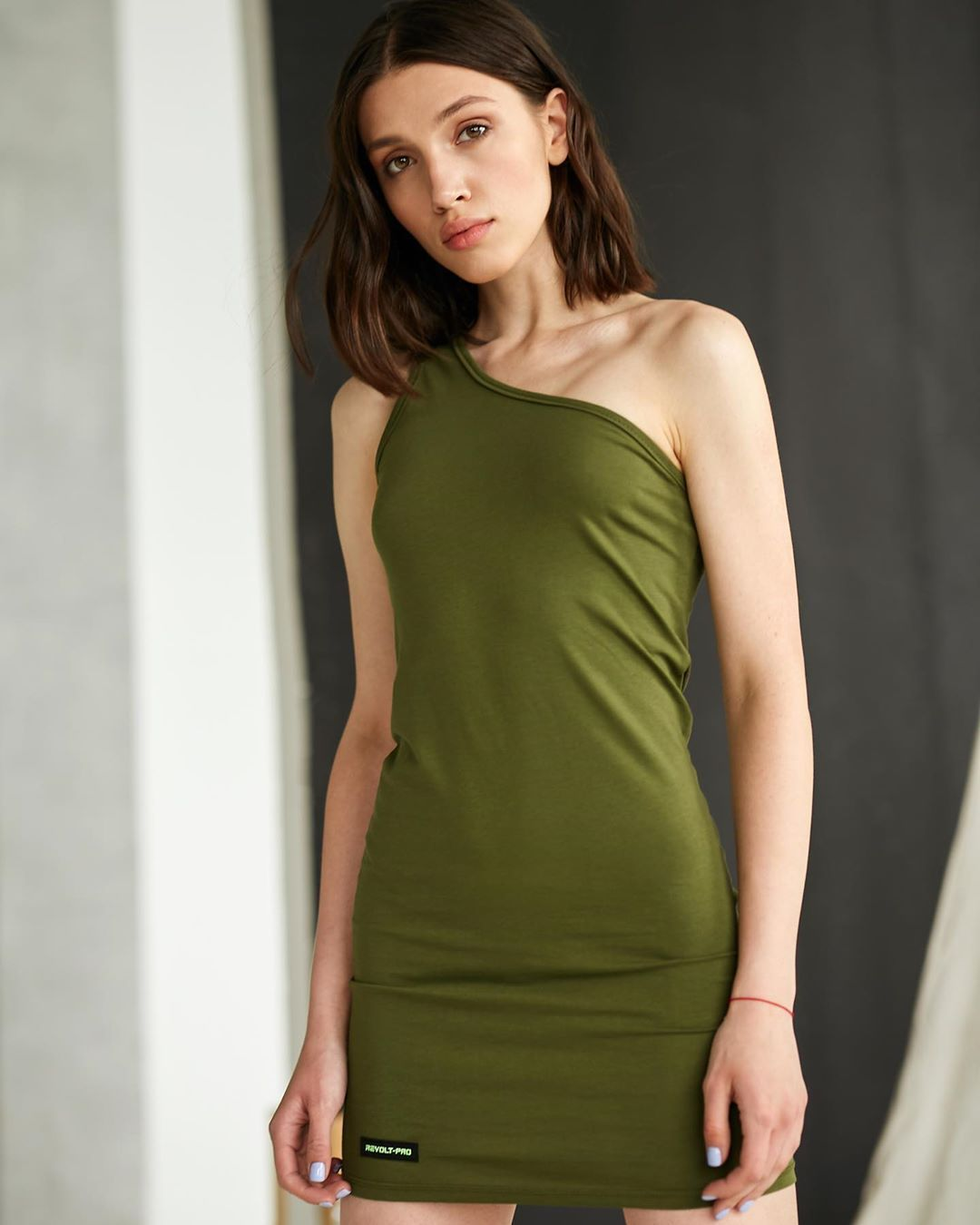#fitnesswear #streetstyle #urbanstyle #revoltwear #designers #shoulder #designer #fitness #colors #s...
