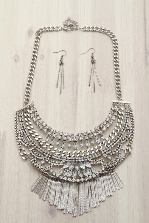 First & Chic   Know You're A Queen - Luxe Silver Statement Necklace Set - a stunning luxe silver statement necklace with matching earrings featuring clear jewels, silver chains, chandelier design, and dangling bars. Amazing!