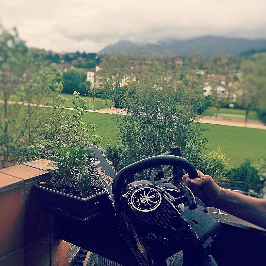 Cutting parsley with the chainsaw #chainsaw #peace #peacefull #haha by psy.k.apparel http://bit.ly/AdventureAustralia