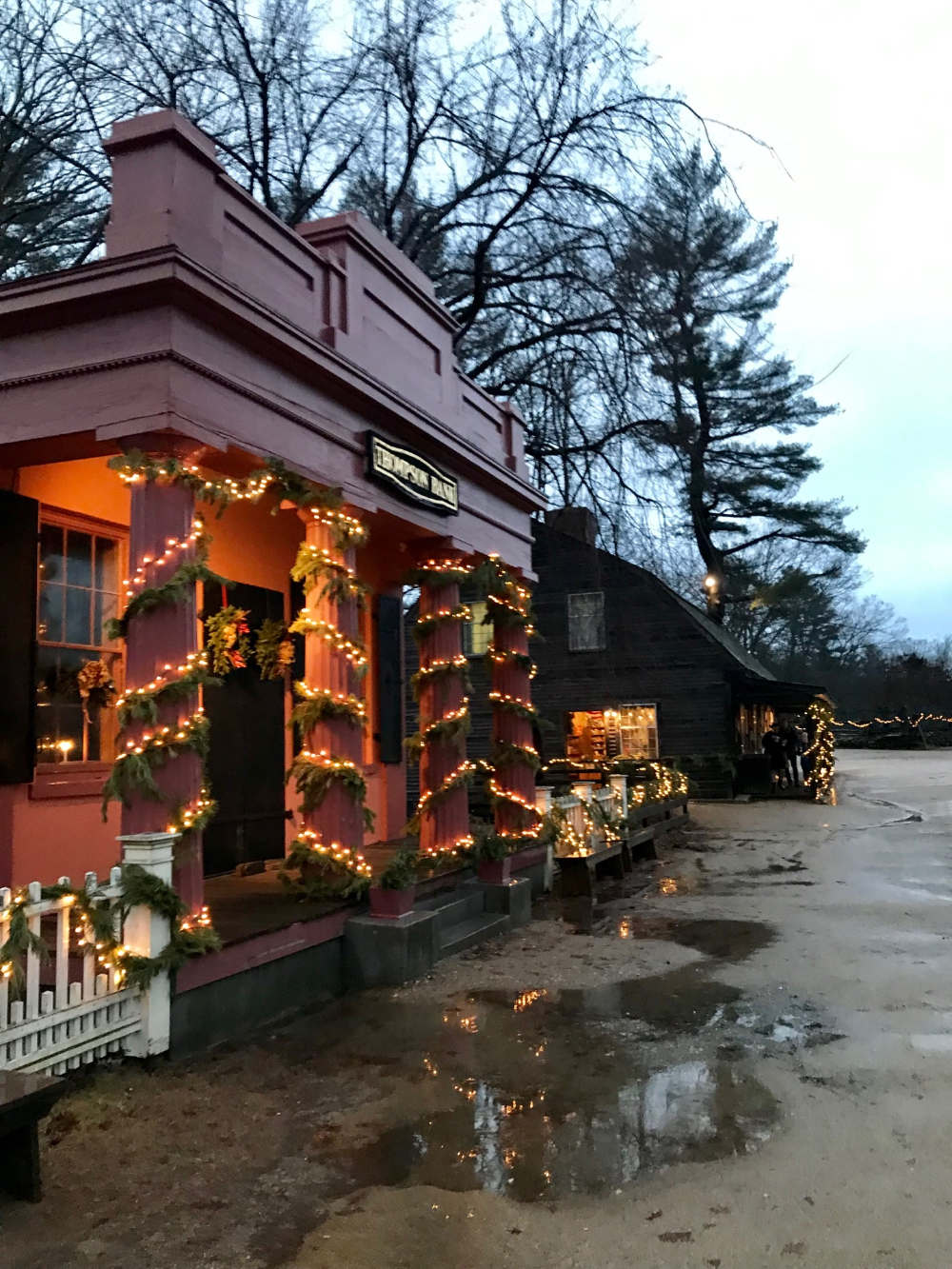 Christmas By Candlelight Awaits In Historical New England