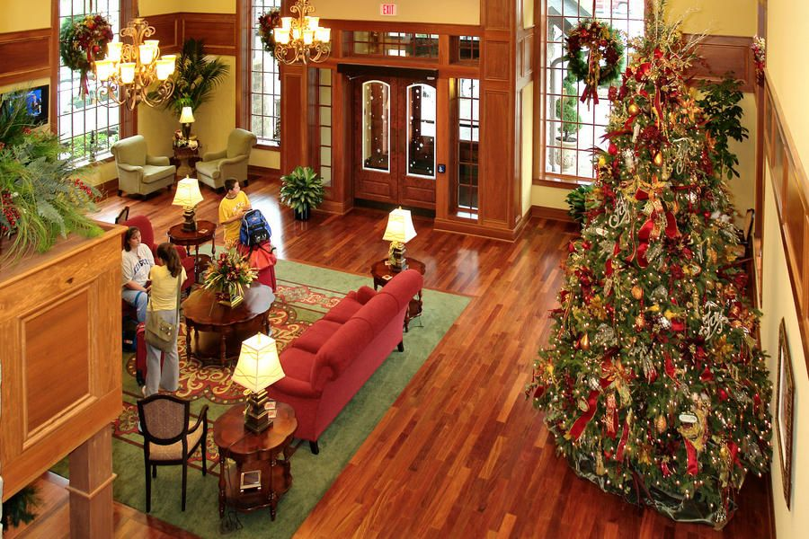 Celebrate Christmas Year-Round at This Very Merry Tennessee Hotel - southern living christmas decorations