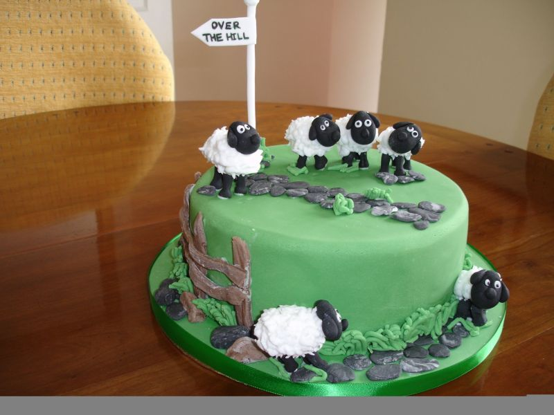 This Is Sorta What I Am Thinking Of For Hannahs Cake But With - Sheep cakes birthday