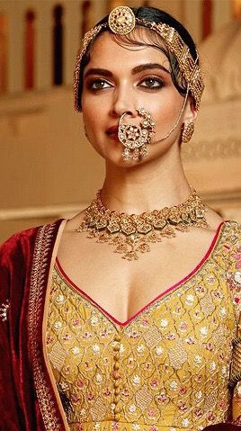 Deepika Padukone in her Padmavati avatar. (With images ...