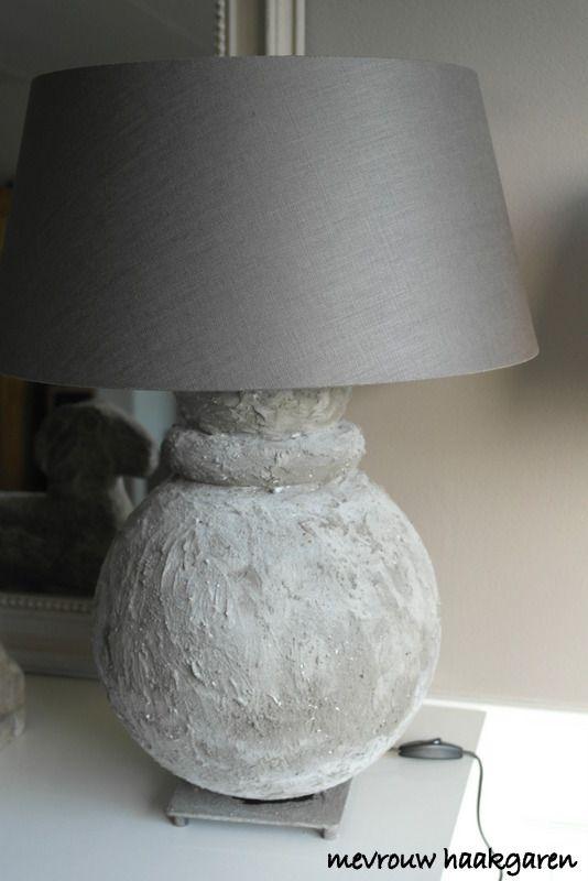 lampenvoet zelf gemaakt met muurvuller en kalkverf