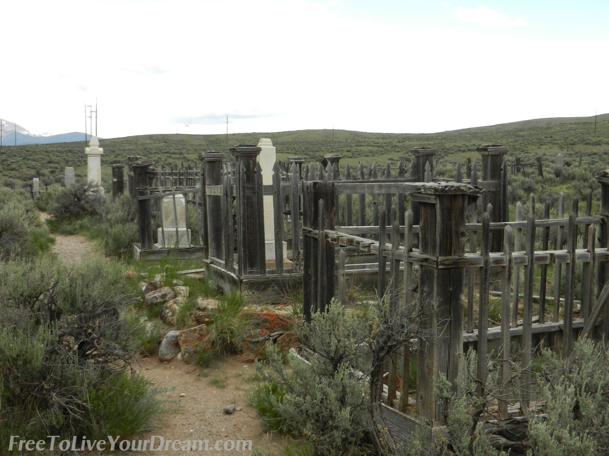 Bannack cemetery at bannack ghost town in montana more - Towne place at garden state park ...