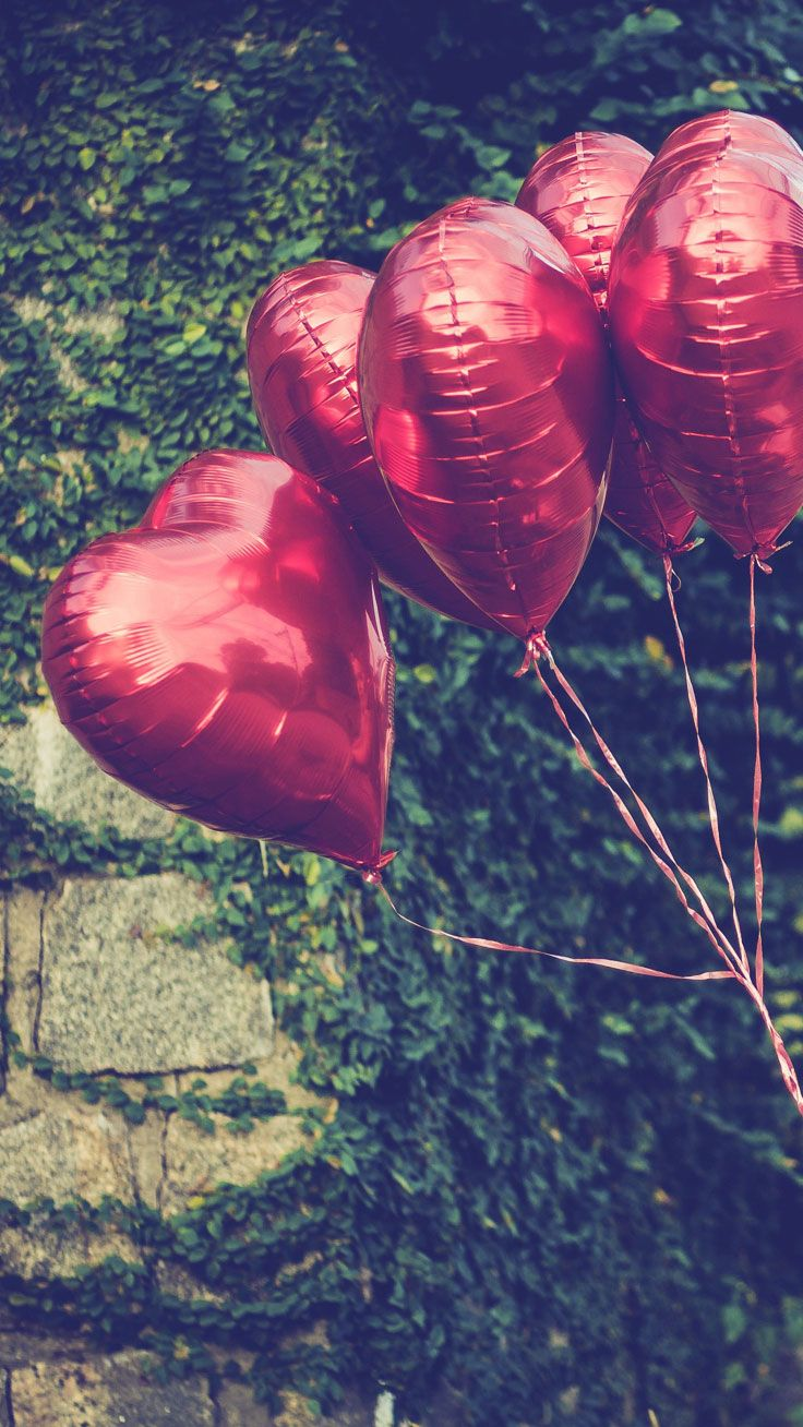 348e3a679d4d16 Heart Balloons - Download all Happy Valentine s Day iPhone wallpapers now