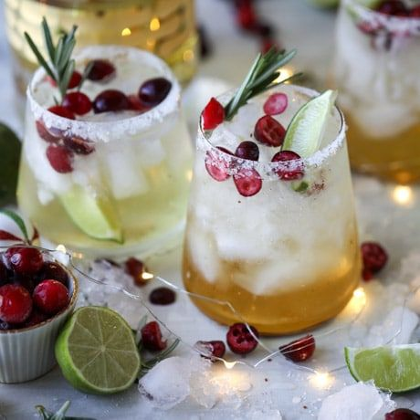These Festive Cocktails Will Be a Huge Hit Your Christmas Party This Year