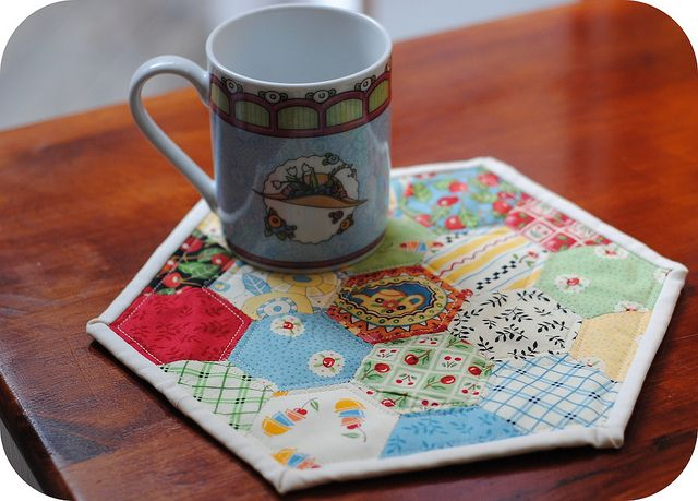 Hex Mug Rug (Maybe I should do this with Grandma's Grandmother's flower garden scraps?)