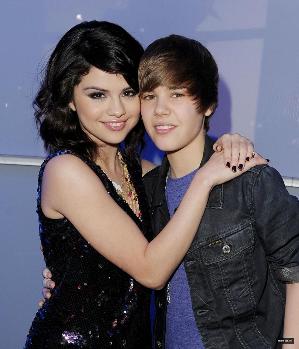 Memes De Gomez on (con imágenes) Justin bieber, Selena