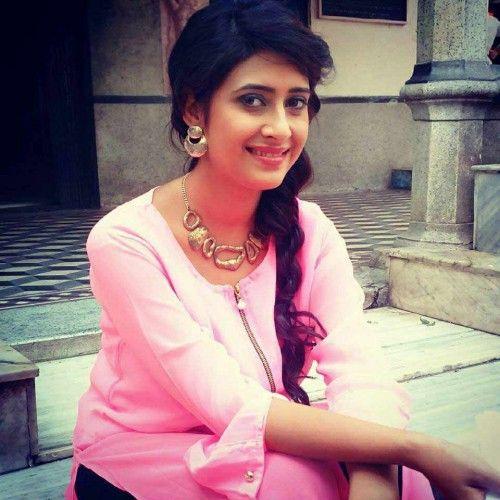 Preetika Chauhan | Oily face, Actresses, Face
