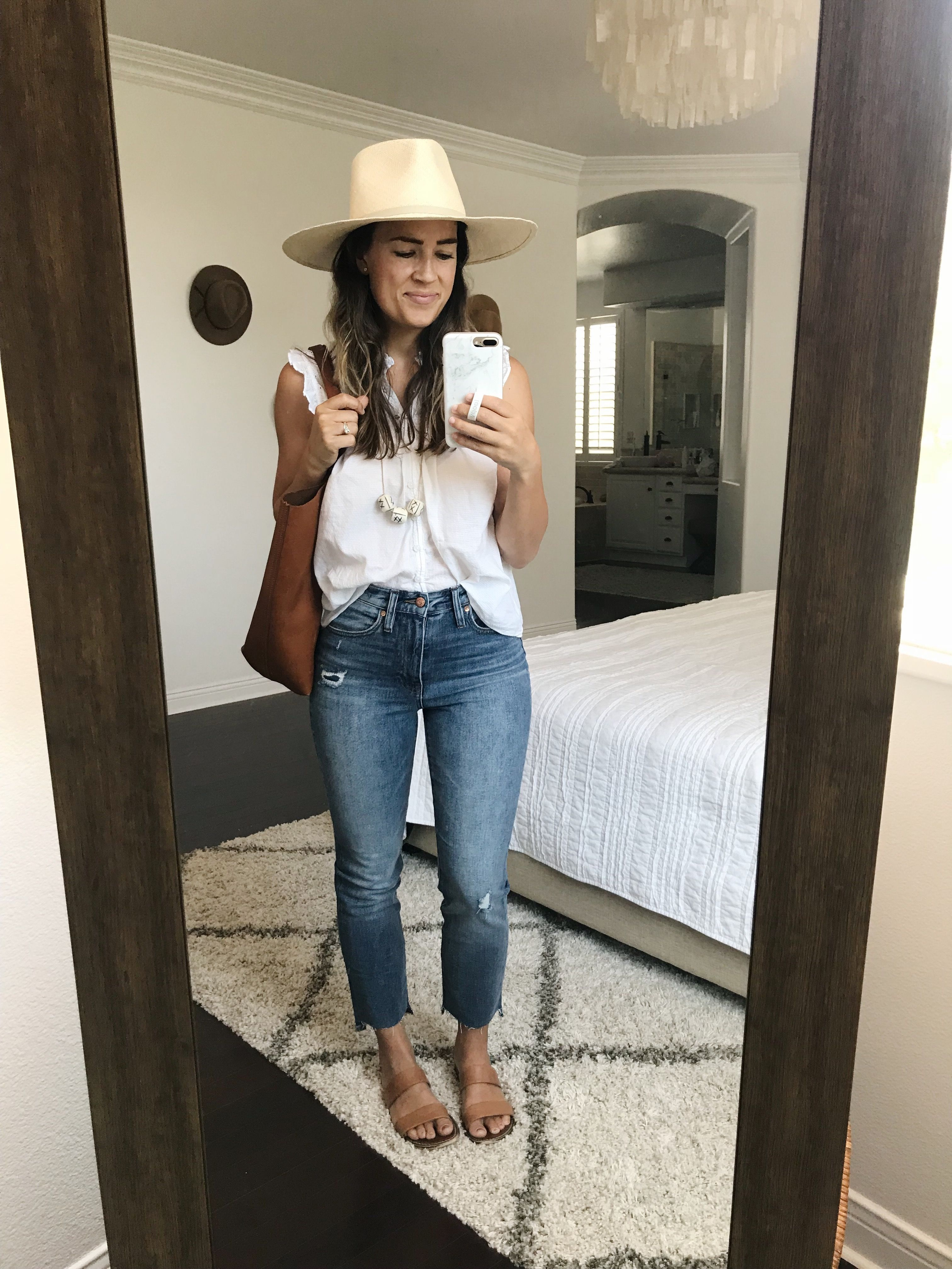12befd1f6c 9 Ways to Style Straight-Leg Jeans | My Style in 2019 | Jeans outfit ...