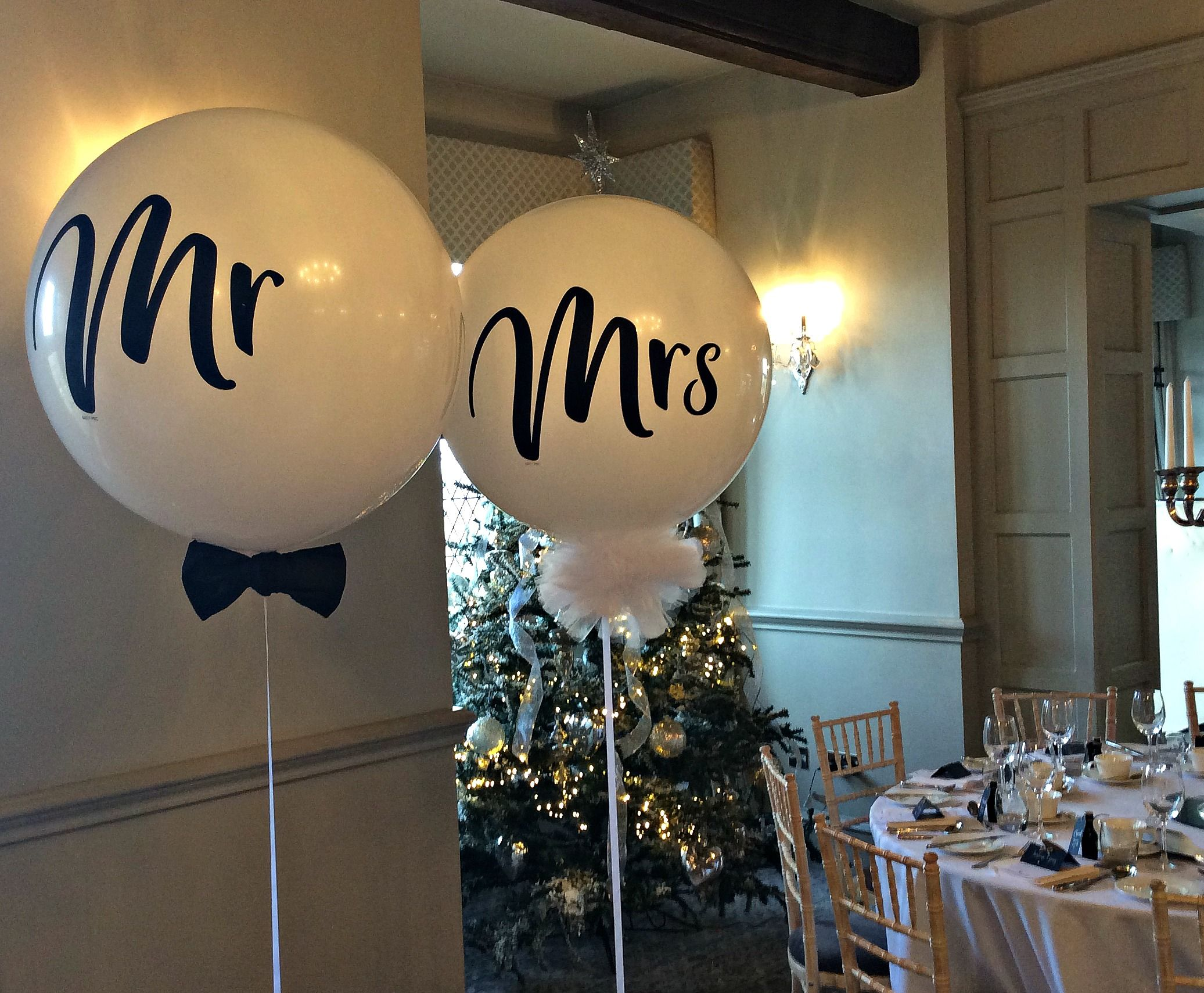 Giant Balloons Balloons Of Stafford Wedding Balloons Wedding Balloon Decorations Mr And Mrs Balloons
