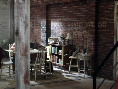 once upon a time mary margaret apartment   Love the painted brick.