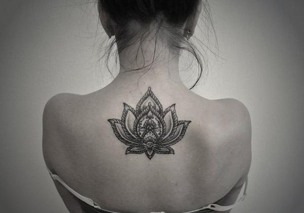 Upper Back Lotus Flower Tattoo For Women Tattoos Pictures Lotus Mandala Tattoo Flower Tattoo Flower Tattoos
