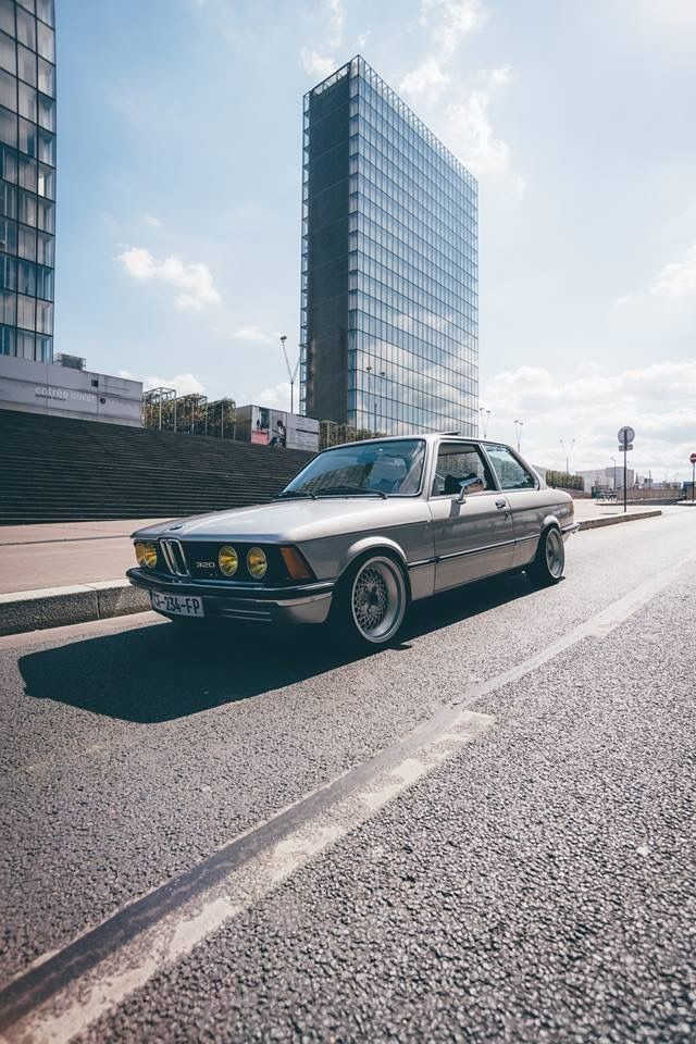 Classic bmw classic bimmers classic cars car car for Garage mitsubishi valence
